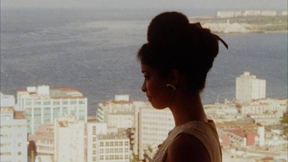 Bringing U.S. Cameras to Cuba: A Complex Filmmaking History Rolls on with SIN ALAS