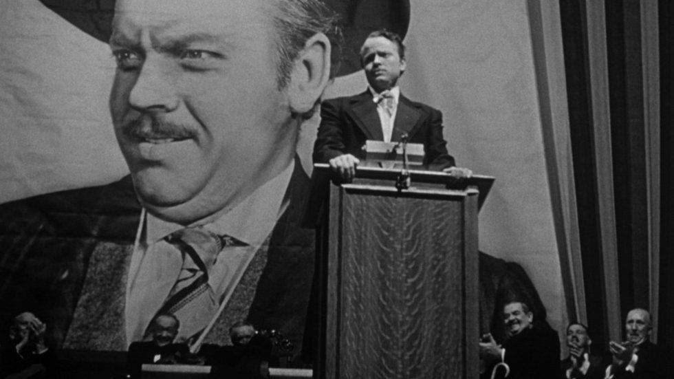 The Promise and the Plummet: Foreshadowing the Fall from Grace in CITIZEN KANE