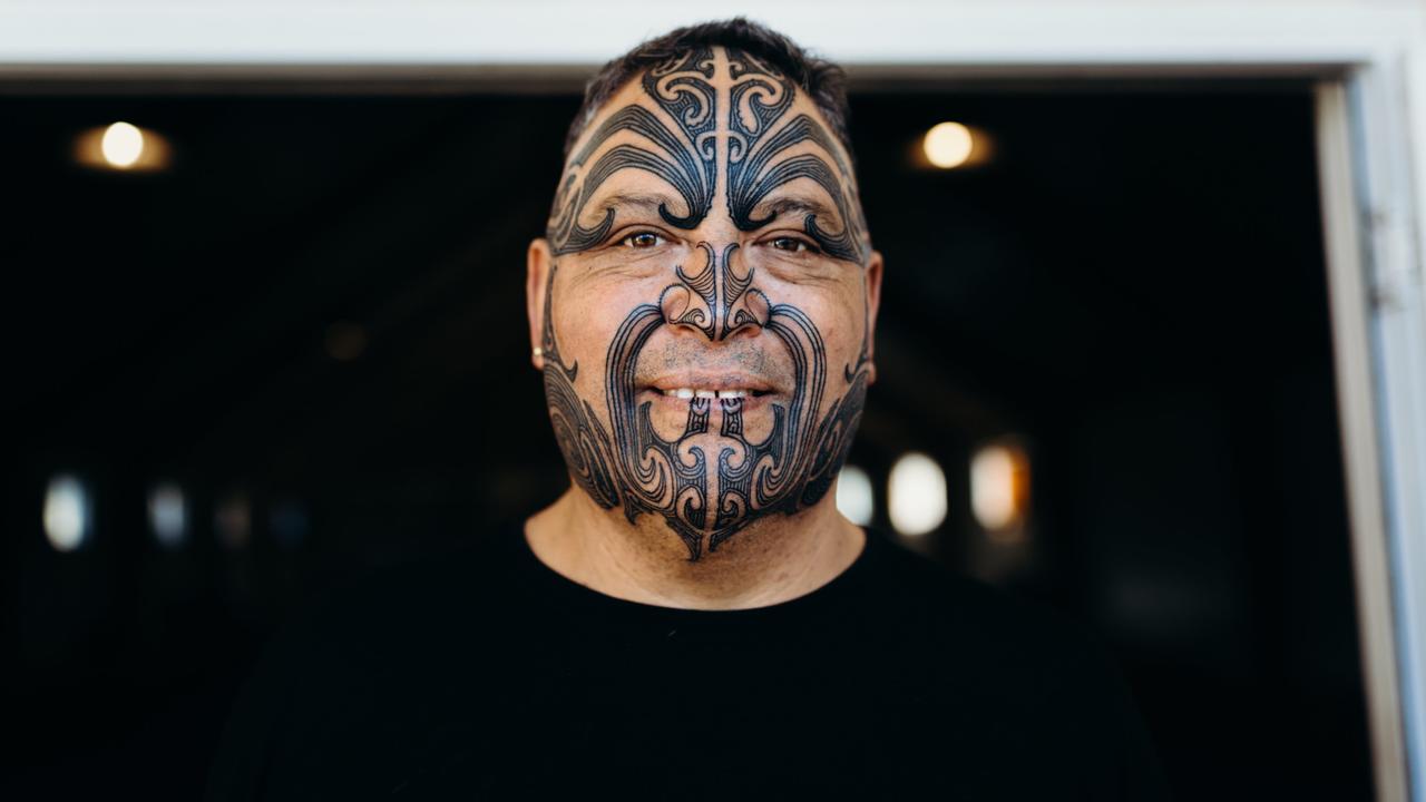 Tā Moko – Behind the Tattooed Face