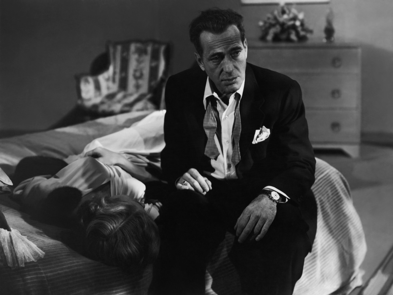 Support gender equality in storytelling with guns, murder, treachery, and classic noir... IN A LONELY PLACE (1950)