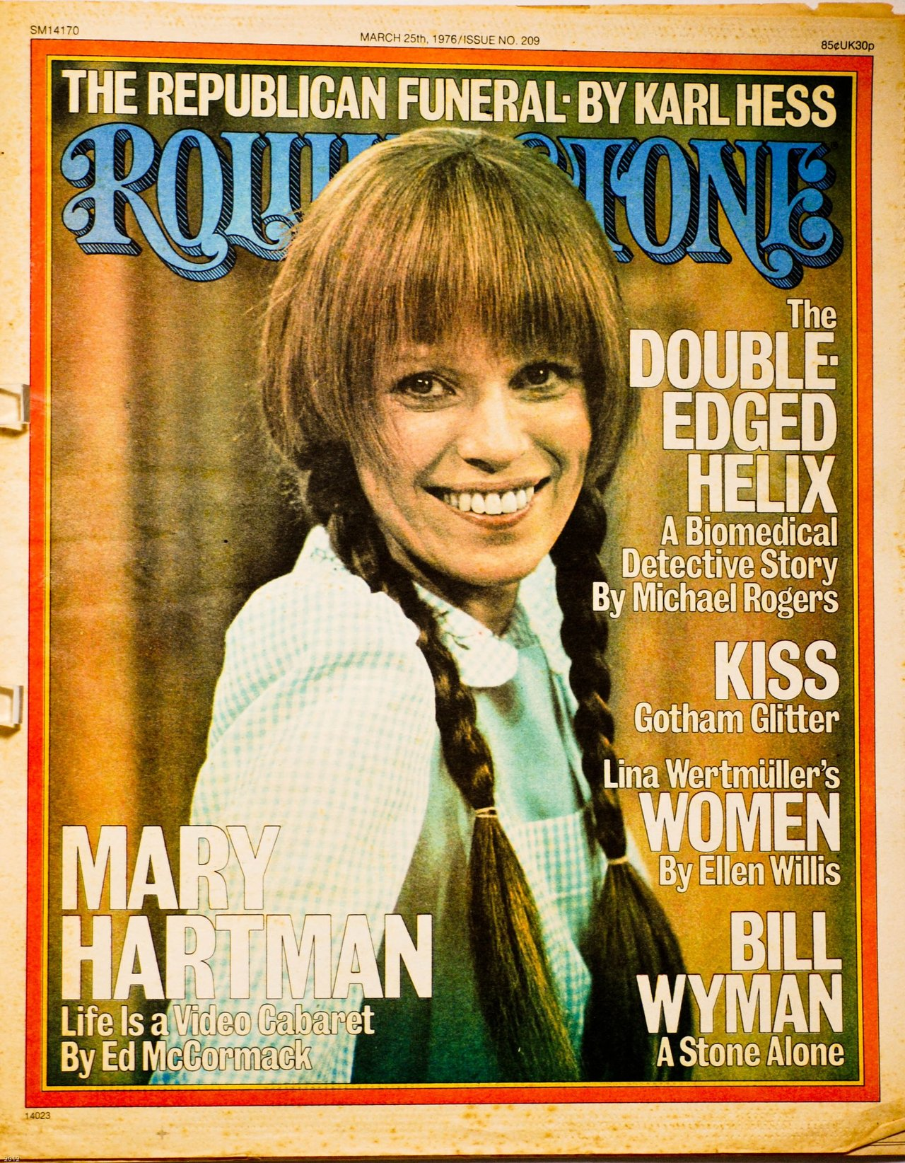 Lasser as Mary Hartman, cultural icon, on the cover of ROLLING STONE